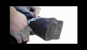 Non Slip Overshoes by Tiger Grip [Eng]